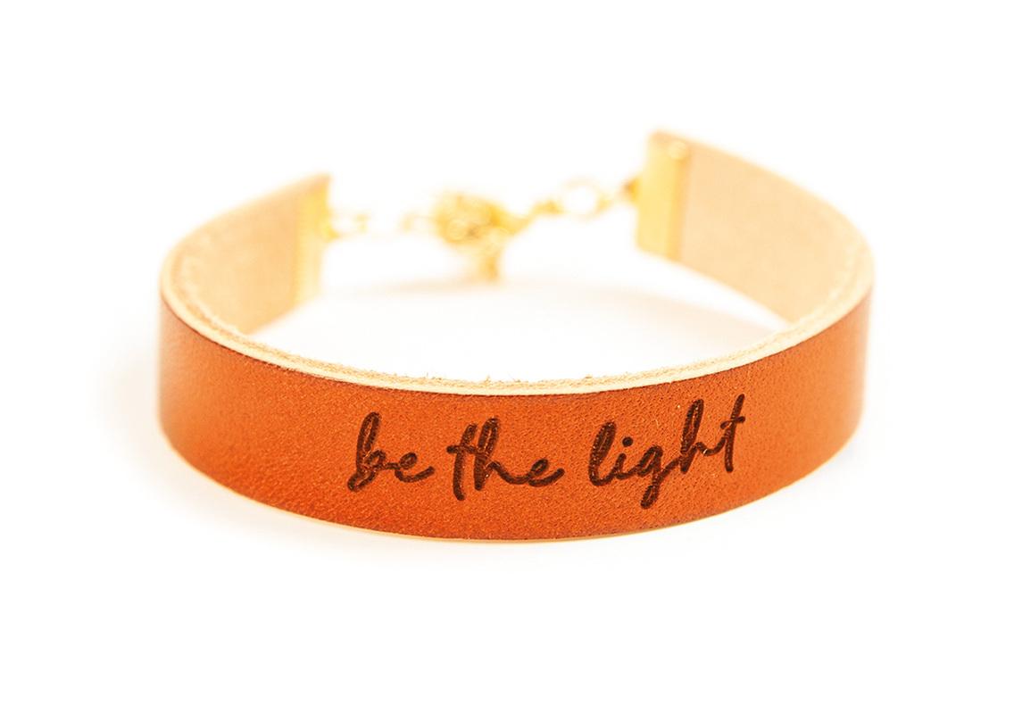 "Lederarmband ""be the light"""