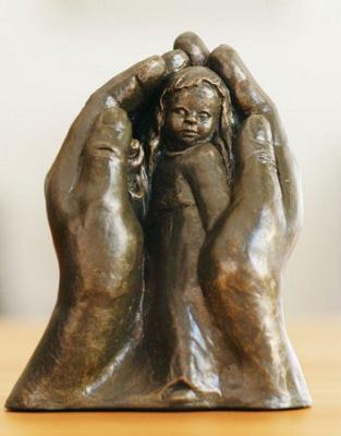 Zuflucht - Bronzefarbener Steinguss